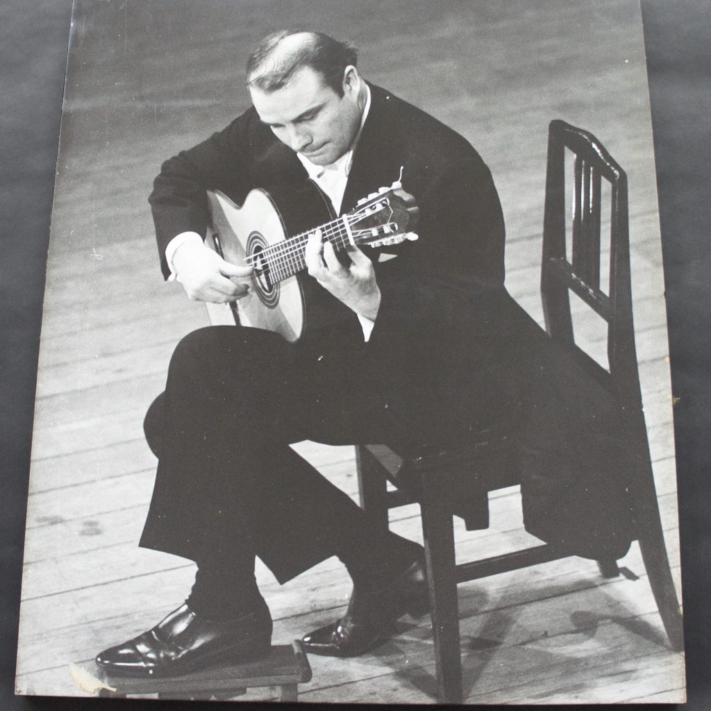 Julian Bream S.46.4.23